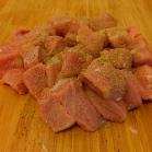 Fleisch kräftig salzen und pfeffern